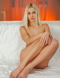 Skylar nude in erotic PRESENTING SKYLAR gallery - MetArt.com photo #4